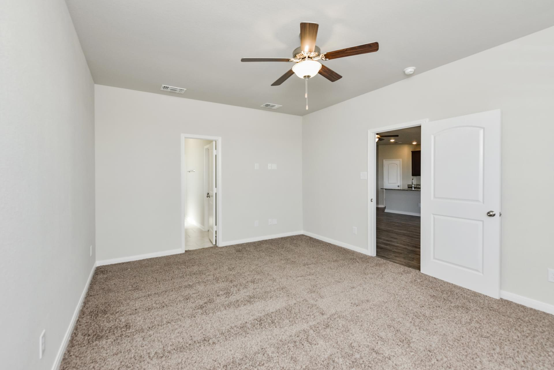 2,566sf New Home in Killeen, TX