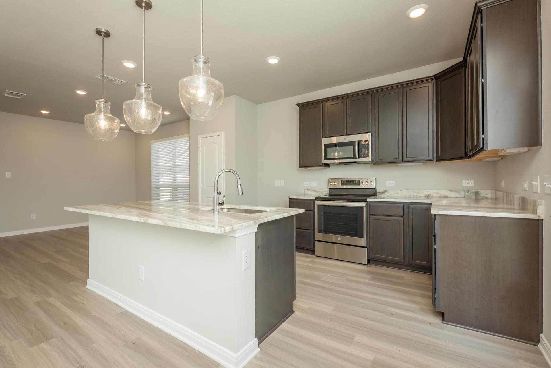 4br New Home in Willis, TX